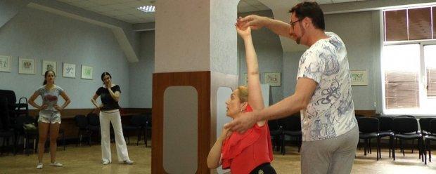 У Миколаєві відбувся танцювальний майстер-клас для людей з інвалідністю. миколаїв, олена чинка, танок моєї душі, танцювальний майстер-клас, інвалідність
