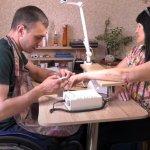 В Краматорске лица с инвалидностью предлагают услуги маникюра и пошива одежды (ВИДЕО)