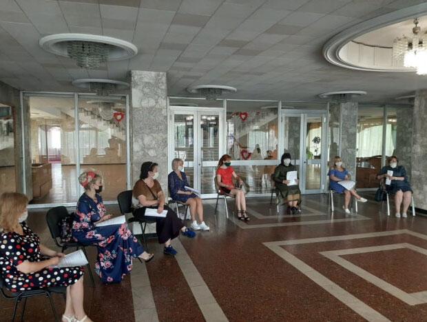"""У Луцьку відбулось перше засідання оргкомітету Міжнародного мистецького фестивалю для людей з інвалідністю """"Барви творчості"""". барви творчості, луцьк, засідання, фестиваль, інвалідність"""