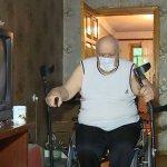 В Запоріжжі мешканці будинку проти встановлення пандусу для чоловіка з інвалідністю (ВІДЕО)