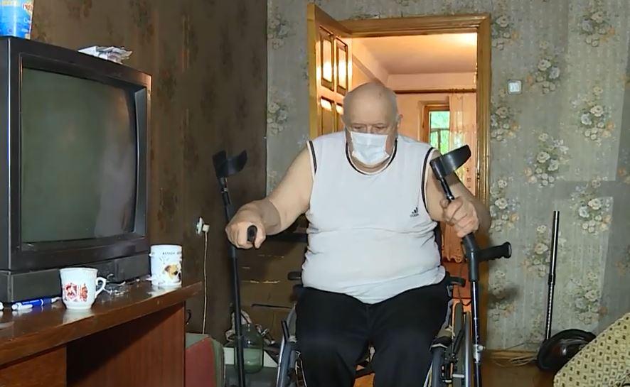 В Запоріжжі мешканці будинку проти встановлення пандусу для чоловіка з інвалідністю (ВІДЕО). анатолій бєлєй, запоріжжя, пандус, під'їзд, інвалідний візок