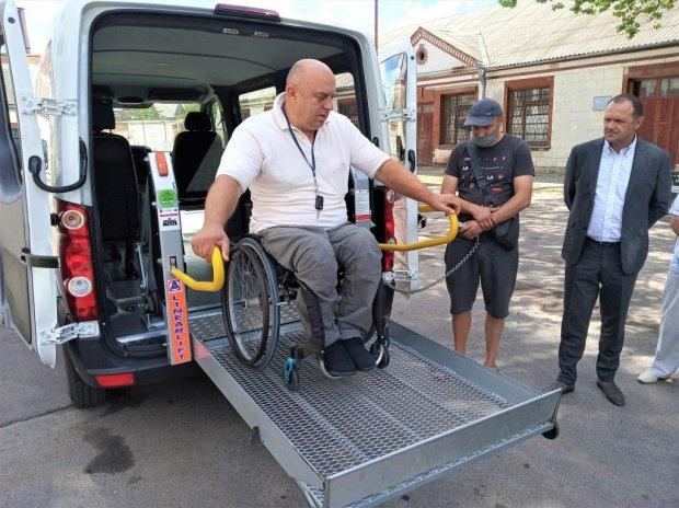 Проєкт «Соціальне таксі» запустили у Бердичеві. бердичів, доступність, проєкт, соціальне таксі, інвалідність