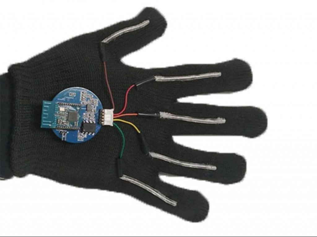 У США розробили пристрій, що озвучує мову жестів (ВІДЕО). сша, мова жестів, мовлення, переклад, рукавичка