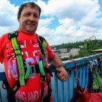 Житель Кіровоградщини, який через нещасний випадок втратив руку й ногу, займається екстремальним спортом (ВІДЕО)