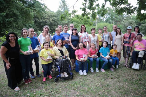 Діти з інвалідністю стали ведучими циклу пізнавальних телепрограм. кремінна, проєкт ми в ефірі, суспільство, інвалідність, інтеграція