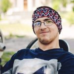 «В Україні подорожувати можна всіма горами, навіть якщо ти людина з інвалідністю», — засновник організації, яка допомагає людям піднятися в гори