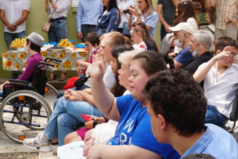 В Чернівцях відкрили перший центр для особливої молоді (ФОТО). даруй тепло, центр денного перебування, чернівці, соціальні навички, інвалідність