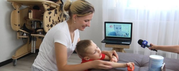На Житомирщині терапевти-реабілітологи працюють з дітьми з інвалідністю в онлайн режимі. житомирщина, карантин, онлайн, терапевт-реабілітолог, інвалідність