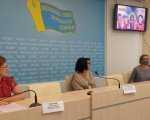 Вперше в Україні діти-митці з інвалідністю стануть телеведучими із перекладом на жестову мову. жестова мова, прес-конференція, проект ми в ефірі, телеведучий, інвалідність