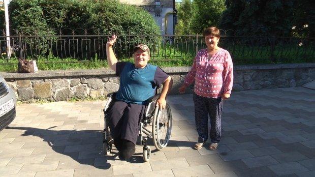 Волонтери організували 18-річному хлопцю з інвалідністю з Житомирщини поїздку в Одесу на море. іван дзюбенко, волонтер, море, поїздка, інвалідність