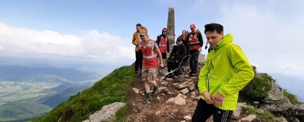 Інклюзивні походи в гори: проєкт «On3Wheels — Фонд здійснення мрій» відкрив 4-й сезон (ФОТО). іван маслюк, олексій скриба, ветеран ато, гора пікуй, інвалідність
