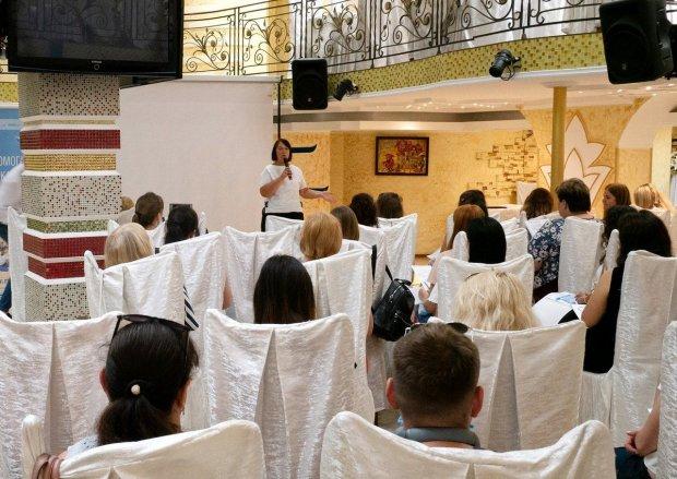 В Одесі міжнародні експерти ділилися досвідом допомоги особливим дітям. одеса, конференція, круглий стіл, раннє втручання, інвалідизація