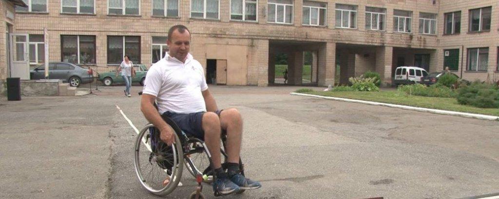 На Тернопільщині перевірили доступність виборчих дільниць для маломобільних осіб (ВІДЕО). тернопільщина, виборча дільниця, доступність, перевірка, інвалідність