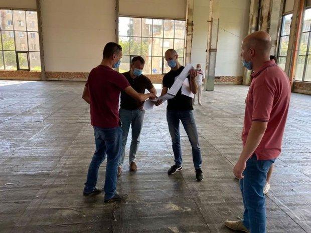 """Спортивно-реабілітаційний центр в Ужгороді можуть внести у програму """"Велике будівництво"""". велике будівництво, ужгород, допомога, спортивно-реабілітаційний центр, інвалідність"""