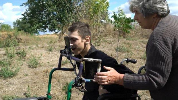 На Полтавщині хлопець із ДЦП пише музику. володимир малуха, дцп, вірш, діагноз, музика