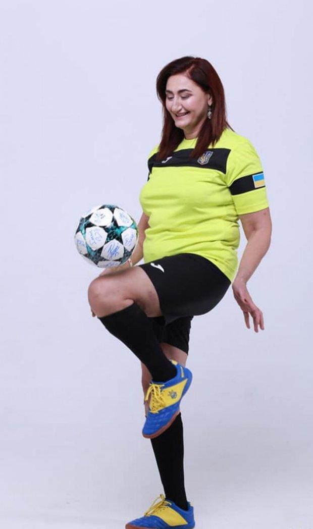 «После двух микроинсультов и трансплантации почки я научилась играть в футбол»: невероятная история жительницы Запорожья. синара зайцева, инвалидность, микроинсульт, почка, трансплантация