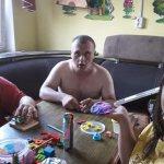 7 лет жил в больнице: мужчину с синдромом Дауна «усыновила» семья из Харькова