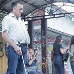 Без тактильної плитки та пандусів: наскільки доступні громади Буковини (ВІДЕО)