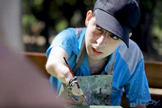Портрет особливого художника. андрій лещинський, геріатричний пансіонат, сирота, художник, інвалідність