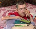 Поэт, волонтер и мотиватор: история Антона Дубишина, который ломает стереотипы о инклюзивности (ВИДЕО). антон дубішин, волонтер, мотиватор, общество, поэт