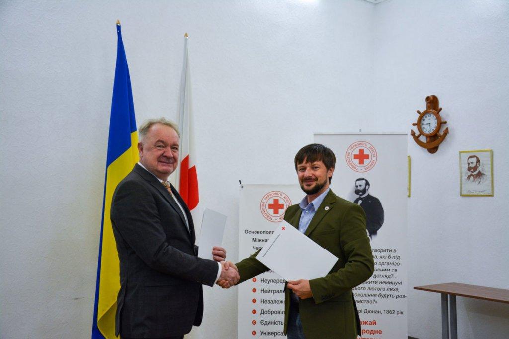 Червоний Хрест України розпочинає співпрацю з Київським казенним експериментальним протезно-ортопедичним підприємством. київське казенне експериментальне протезно-ортопедичне підприємство, червоний хрест україни, меморандум, співпраця, інвалідність