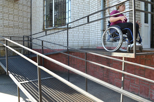До 1 січня наступного року всі лікарні України повинні стати доступними для маломобільної групи людей (ВІДЕО). вимога, доступність, медзаклад, пандус, інвалідність