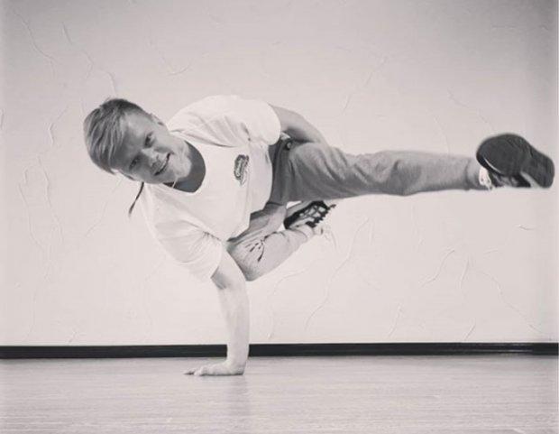 Танцює брейкданс 15 років з однією ниркою: історія чернівчанина з інвалідністю. андрій білоус, брейкданс, нирка, танці, інвалідність
