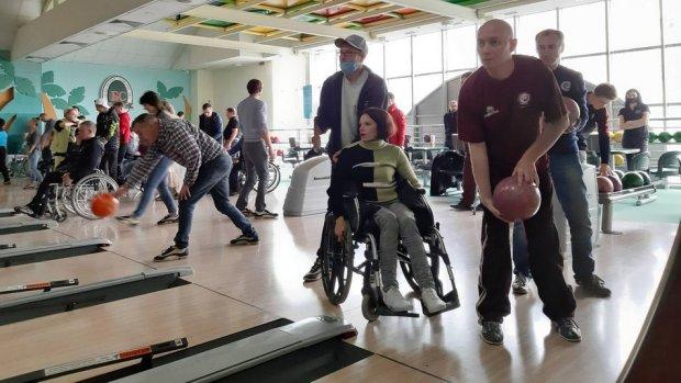 """""""Сильні духом"""". Сумські спортсмени з інвалідністю привезли медалі з міжнародної спартакіади. суми, клуб фенікс, спартакиада, спортсмен, інвалідність"""