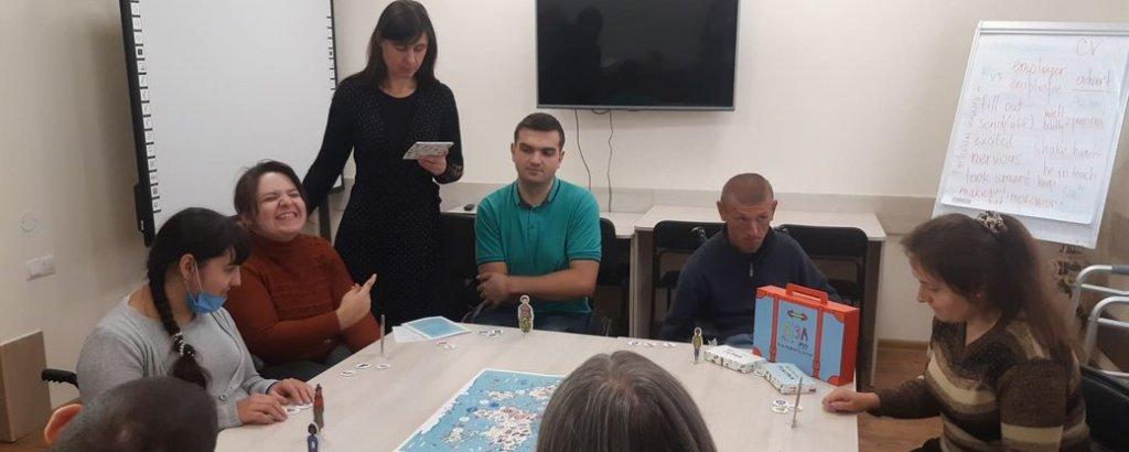 Як подорожувати світом людям з інвалідністю – вчать у Вінниці (ВІДЕО). вінниця, подорож, поїздка, центр реабілітації гармонія, інвалідність