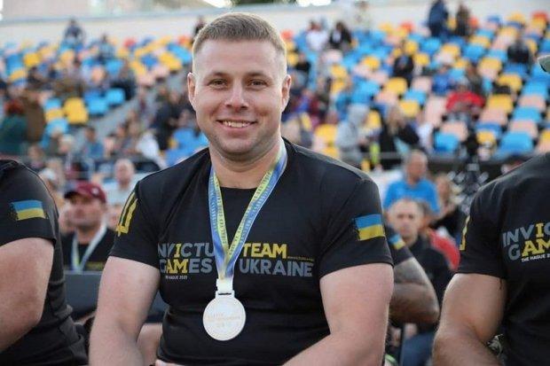 «42 км — на одном батончике»: ветеран АТО на инвалидной коляске одолел всю дистанцию Лондонского марафона. invictus games, виктор легкодух, ветеран ато, марафон, ранение