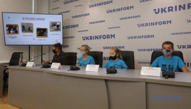 В Укрінформі презентували кіноальманах, знятий дітьми з порушеннями слуху. альманах, документальний фільм, кіношкола кіноти, порушення слуху, презентація