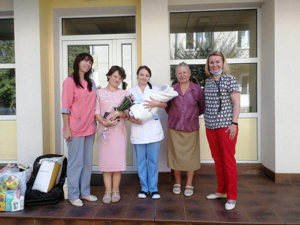 Щаслива мама – щаслива дитина: у Тернопільському перинатальному центрі допомогли жінці з інвалідністю, яка народила хлопчика (ВІДЕО). тернопіль, лікування, перинатальний центр, пологи, інвалідність