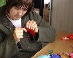 Створює вироби з фетру. Прикарпатка з інвалідністю Яна Хазанюк (ФОТО, ВІДЕО). оселя віри надії любові, яна хазанюк, виріб, фетр, інвалідність
