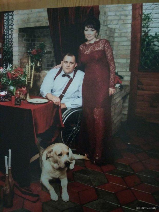 На Сумщині майстер в інвалідному візку плете сітки для спортивних майданчиків. павло самойленко, аварія, плетіння, травма, інвалідний візок