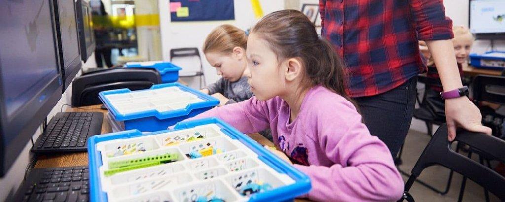 Прикарпатських дітей з інвалідністю безкоштовно навчатимуть робототехніці. го робоклубіф, прикарпаття, проєкт kids create, робототехніка, інвалідність
