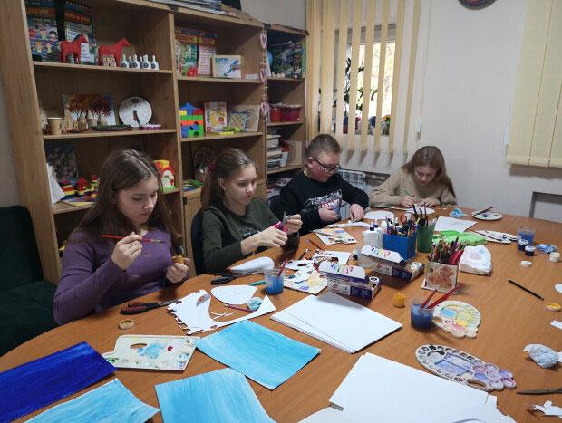 Арт-терапевтичне заняття для дітей із інвалідністю «Будиночок мрій». луцьк, аплікація, арт-терапія, ізотерапія, інвалідність