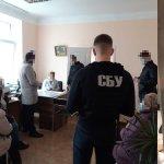 40 тис. гривень за присвоєння групи інвалідності – затримано двох медпрацівників