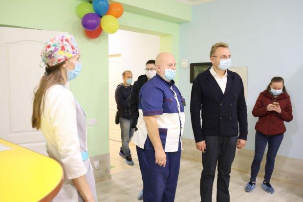 У 1-шій міській лікарні Львова створили Центр раннього втручання. львів, лікарня, раннє втручання, реабілітація, розвиток