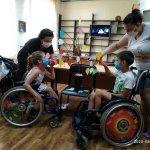 Світлина. Наталя Заболотна: У відділенні центру «Обрій» продовжують надавати соціальні послуги для дітей з інвалідністю та їх батьків з дотриманням посилених санітарно – епідеміологічних заходів. Реабілітація, інвалідність, послуга, відпочинок, Вінницька область, центр Обрій