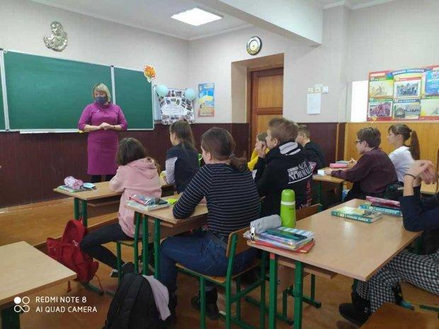 Регіональний координатор Уповноваженого провела для учнів черкаської школи урок з формування толерантного ставлення до людей з інвалідністю. черкаси, дискримінація, суспільство, толерантність, інвалідність