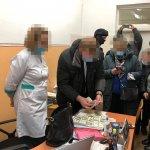 Медпрацівника викрито на хабарі у 2300 доларів США за присвоєння групи інвалідності ветерану АТО