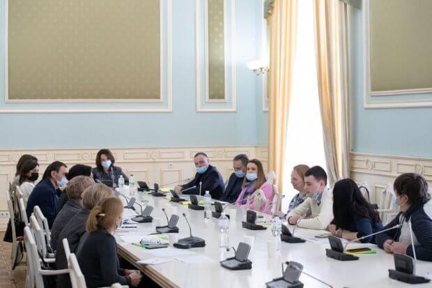У Києві планують запустити послугу «Персональний асистент» для осіб з інвалідністю. київ, персональний асистент, експеримент, послуга, інвалідність