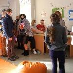 Світлина. Депутатам Житомирської міськради показали Центр реабілітації для дітей з інвалідністю, аби вони розуміли потреби соцзакладів. Реабілітація, інвалідність, Житомир, Центр реабілітації, екскурсія, депутат
