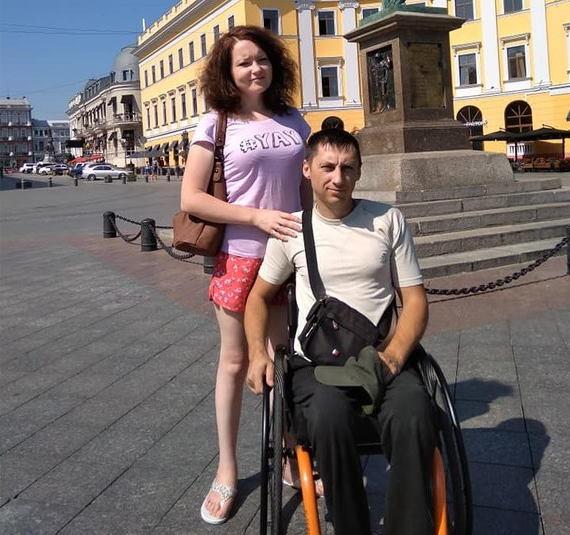 Її збило авто, він зламав хребет. Кримська історія кохання рівненських Петроцюків. кохання, подружжя петроцюків, санаторій, спинальник, інвалідність