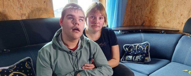 До суду – що два роки. На Сумщині батьки дітей з інвалідністю розповіли про проблеми з виплатами. сумщина, допомога, недієздатний, суд, інвалідність