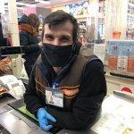 Это Павел! Кассир с инвалидностью завоевал симпатию покупателей днепровского супермаркета