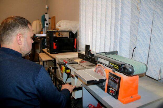 В Никополе помогают людям с инвалидностью получить профессию: интервью с Антоном Серовым. антон серов, никополь, инвалидность, предприятие, проект ігри що змінюють