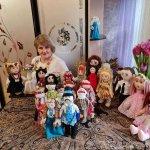 Чернівчанка створює унікальні ляльки для особливих діток (ФОТО)