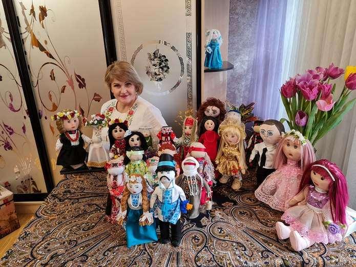 Чернівчанка створює унікальні ляльки для особливих діток (ФОТО). любов свіріденко, громадська активістка, лялька, майстриня, інвалідність