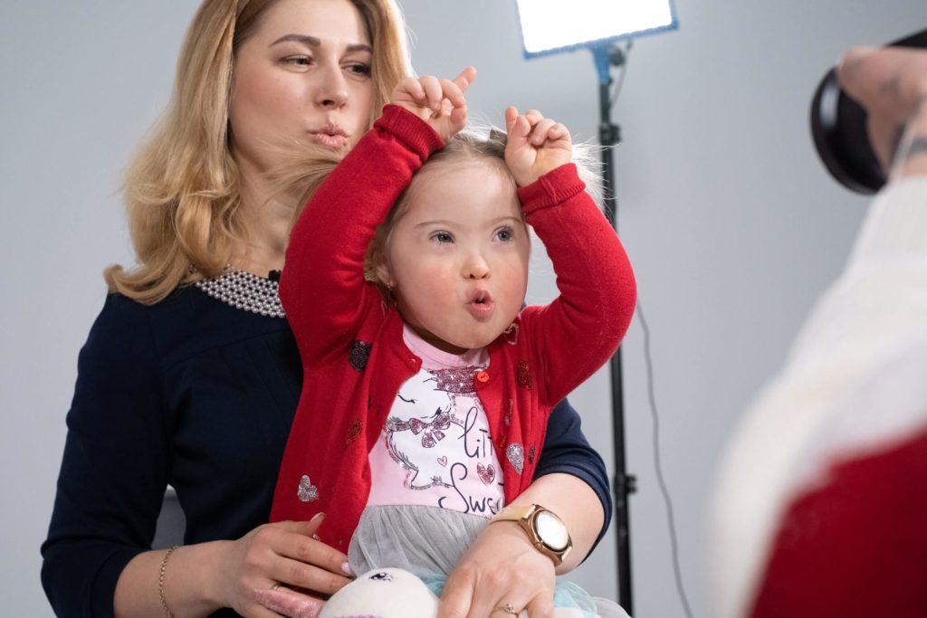 В Україні випустили соціальний ролик, який пояснює, як це – мати дитину з синдромом Дауна (ВІДЕО). вбо даун синдром, відеоролик, діагноз, синдром дауна, суспільство